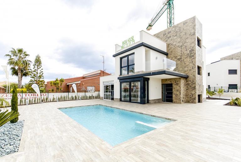 MODERN NEW VILLA IN PLAYA HONDA - LA MANGA in Nieuwbouw Costa Blanca