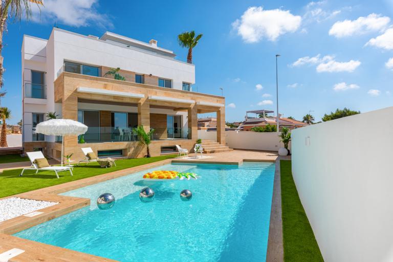 Atemberaubende exklusive 4/3 Moderne Villa von 244m2 in Ciudad Quesada in Nieuwbouw Costa Blanca